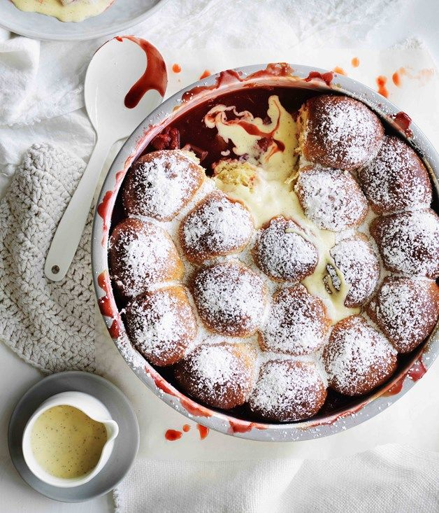 Rhubarb-strawberry milk bun pudding recipe