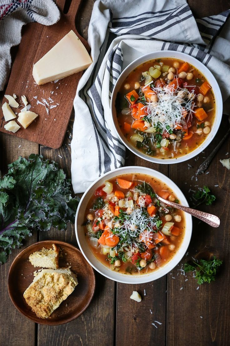Clean, easy, classic minestrone soup with rice and kale makes for a healthful go-to…