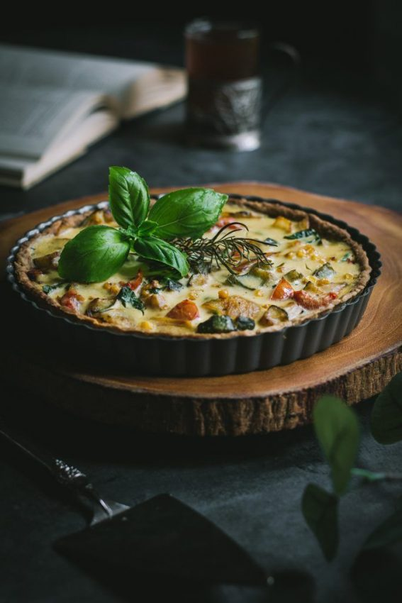 "Quiche with Zucchini, Corn and Peppers #vegan explore Pinterest""> #vegan"