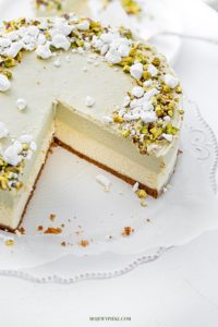 Cheesecake with pistachio mousse