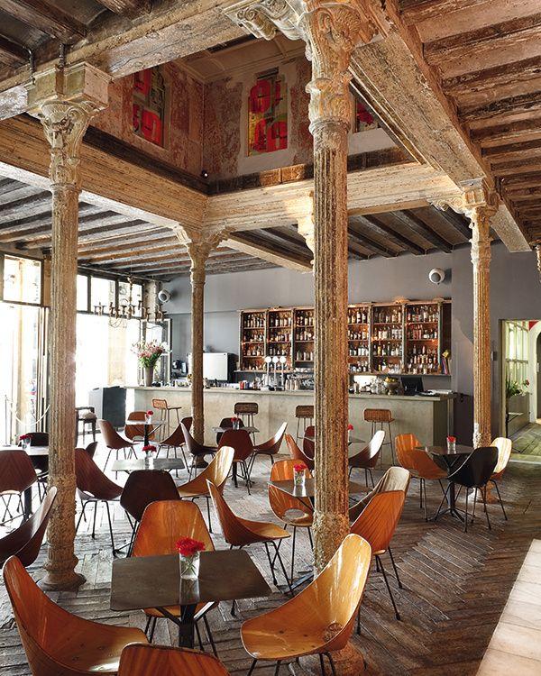 Oca& #241;a Bar. Barcelona