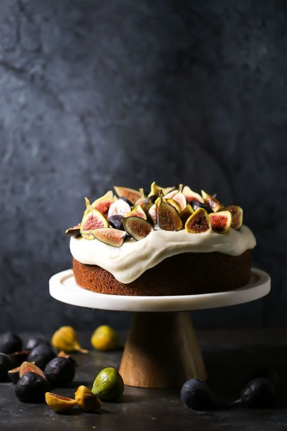 Olive oil cake with figs