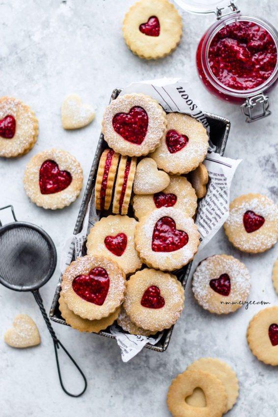 "almond linzer cookies with raspberry chia jam … #vegan explore Pinterest""> #vegan"