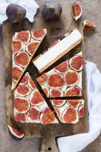 White chocolate cheesecake with figs