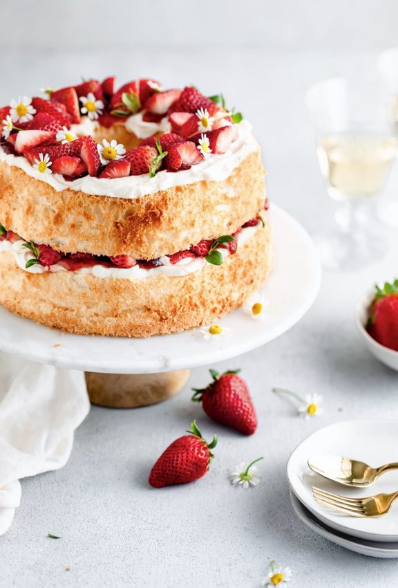 strawberry angel food cake with honey marcarpone cream