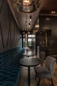 Curious? Access to find the best lighting and furniture inspirations for your new bar…