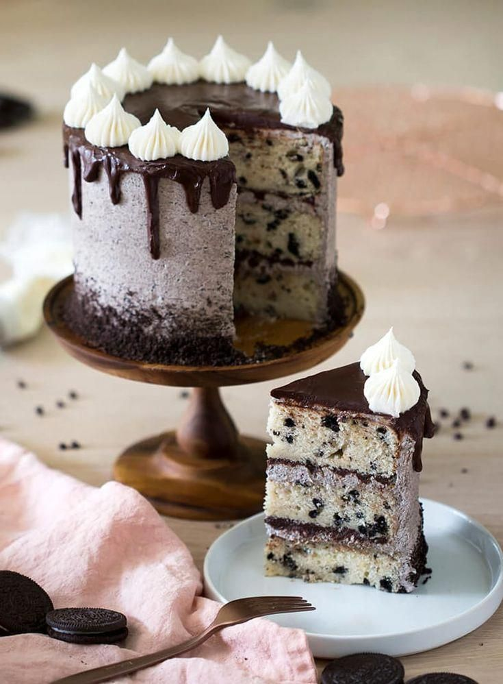 Homemade Easy Chocolate Oreo Cake recipe for birthday party or wedding. Made from scratch…